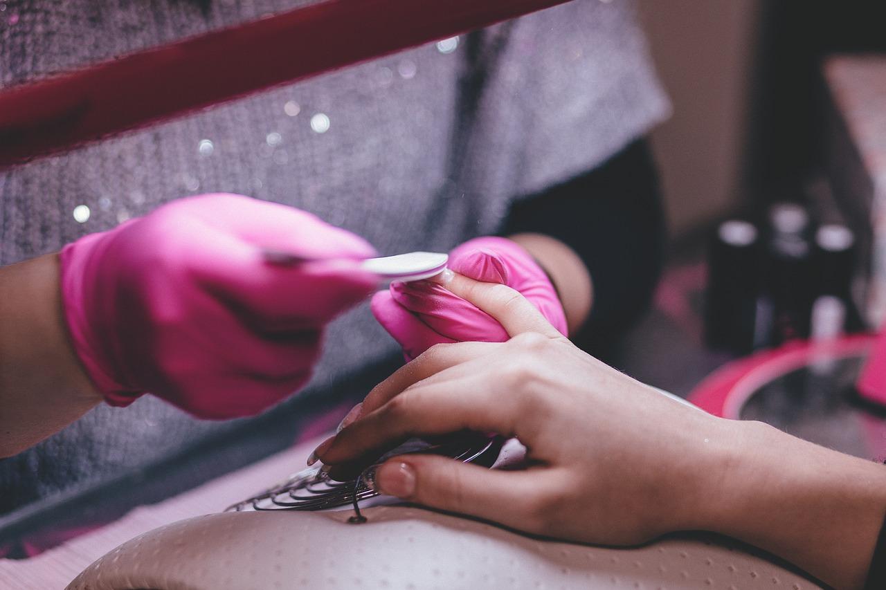 Rodzaje manicure.